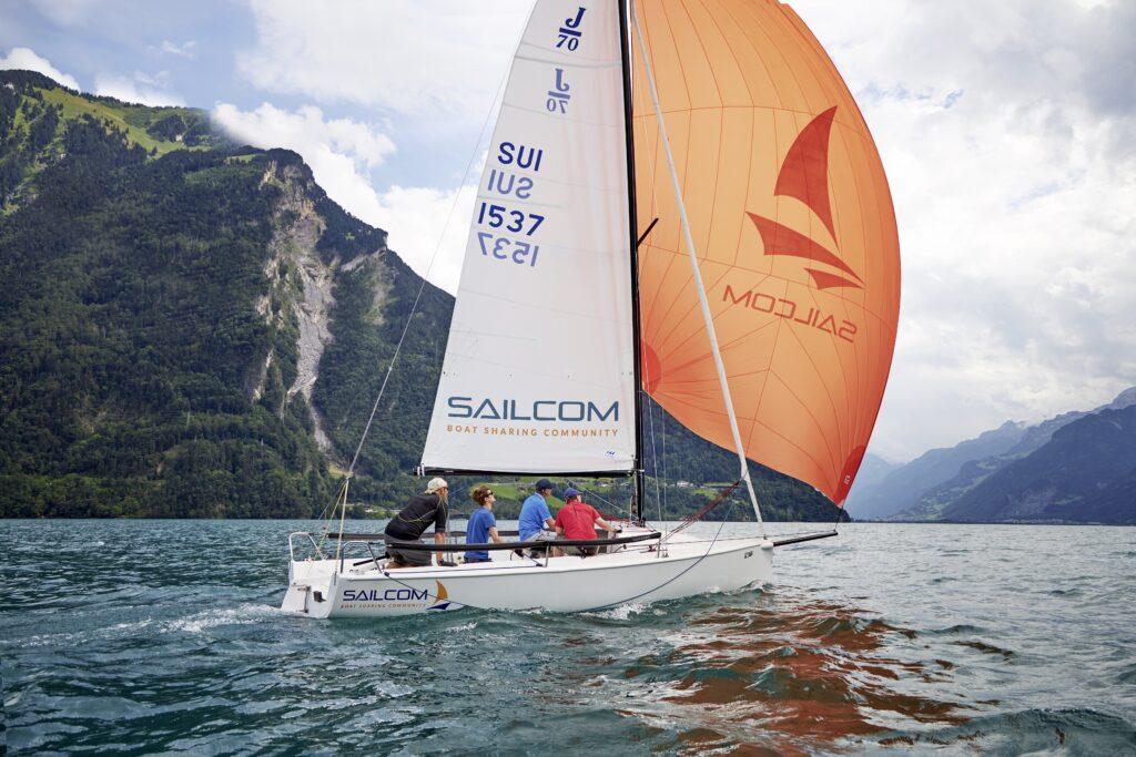 SailCom Starkwind und Genacker Training auf dem Urnersee